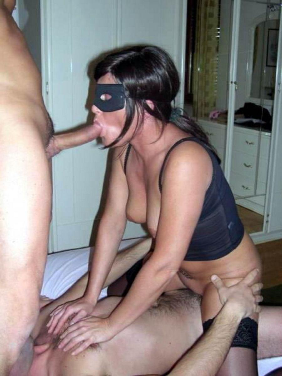моются без ебет жену с другом в маске порадовало